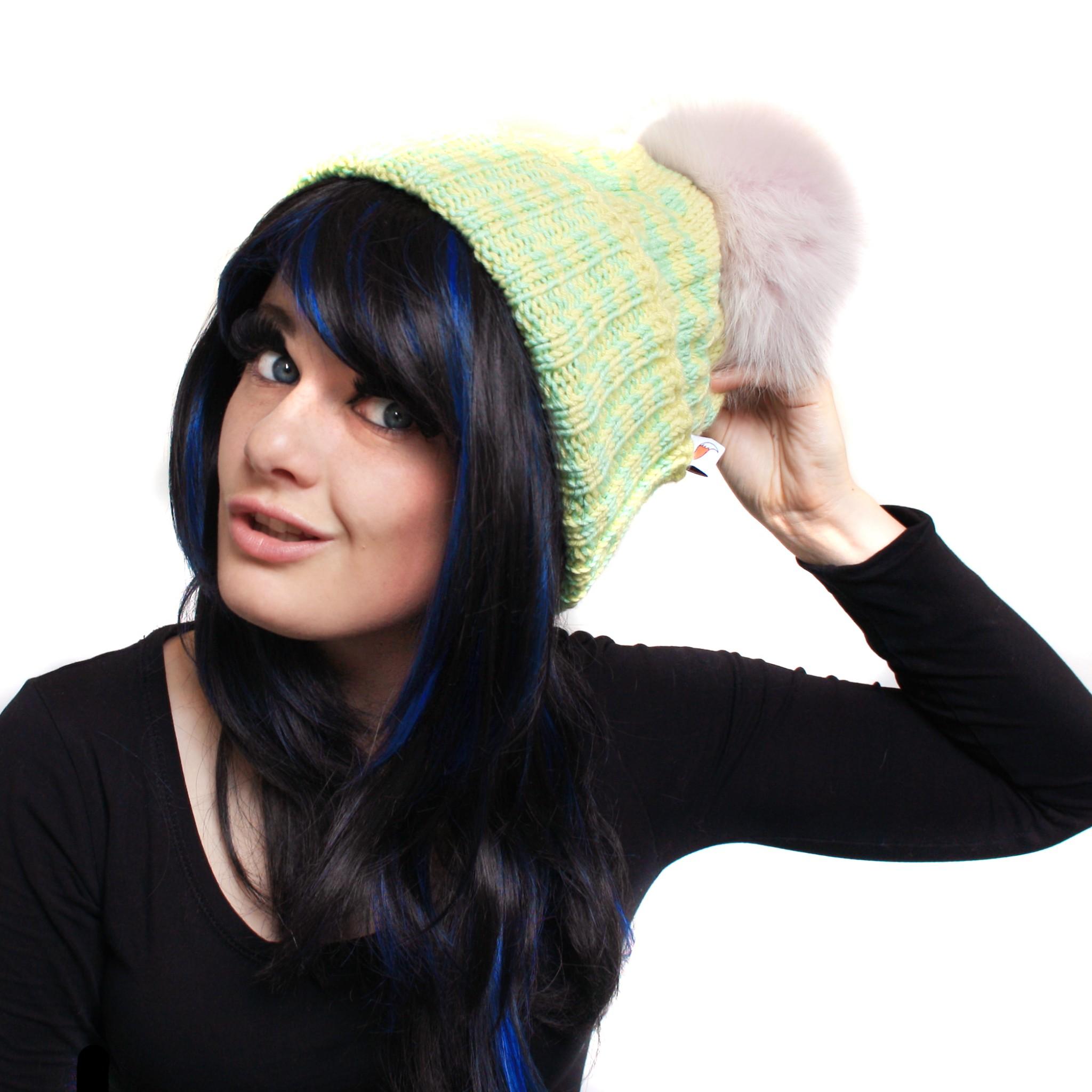Pink Pom Pom Spot Hat